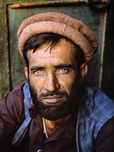 Удивительные портреты Стива МакКарри (Steve McCurry) - №4