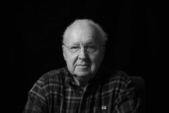 Пол Мур ,90 лет,борт линкора западной Вирджинии