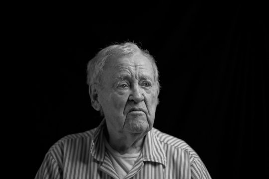 Рэй Байер,93 года, старший офицер
