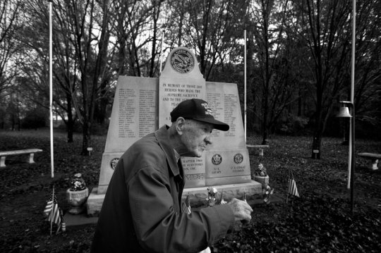 Фрэнк Шебетар,90 лет, экспидитор Литл-Крик-Форт
