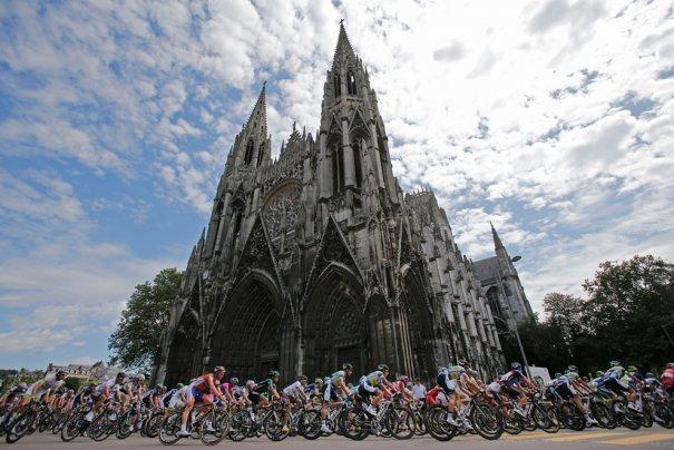 (Christophe Ena/Associated Press)