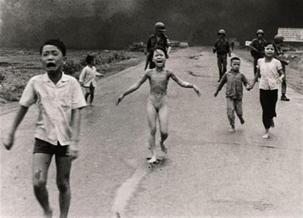 20 фотографий, которые потрясли мир - №4