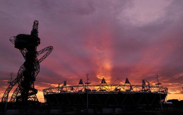 2012 год, Олимпийский стадион и Башня Orbit