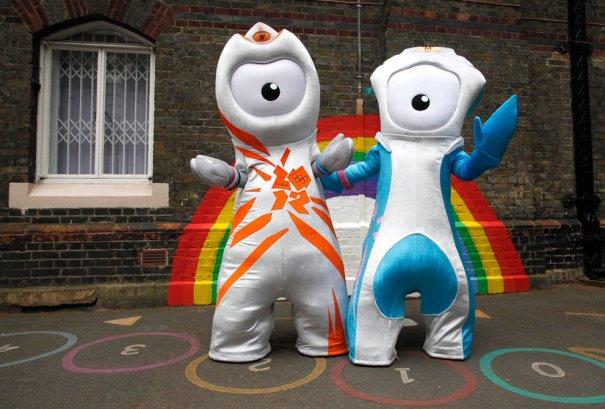 Олимпийские талисманы 2012(фото:Suzanne Plunkett)