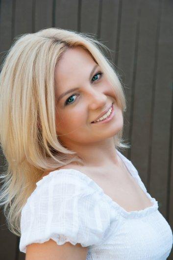 Portrait of beautiful smiling woman