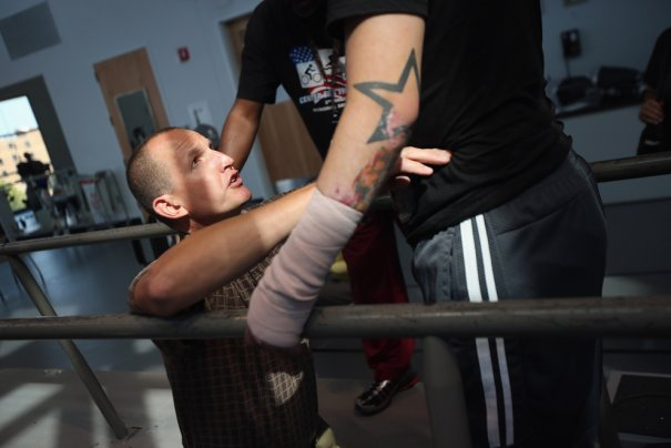 Ветераны войны восстанавливаются в реабилитационном центре - №8