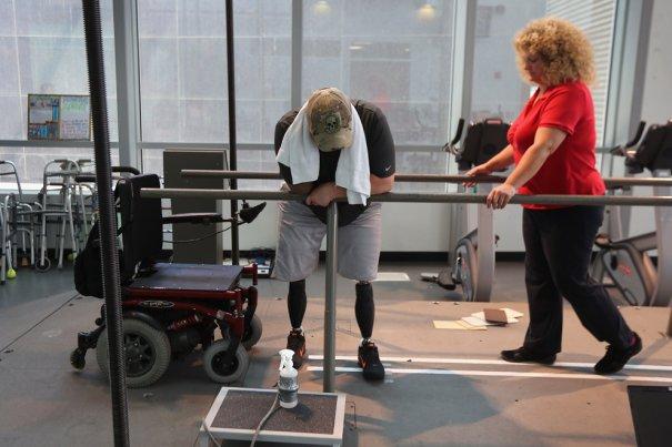 Ветераны войны восстанавливаются в реабилитационном центре - №9