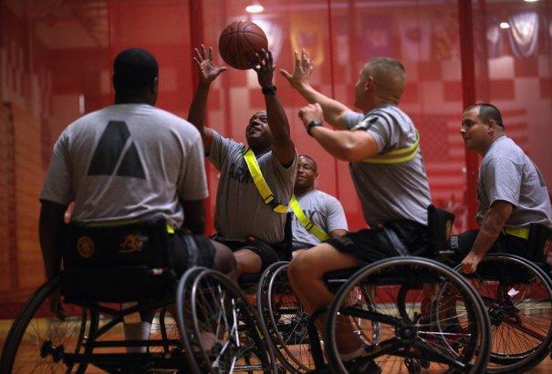 Ветераны войны восстанавливаются в реабилитационном центре - №13