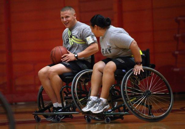 Ветераны войны восстанавливаются в реабилитационном центре - №14