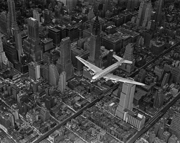 DC-4 над Манхеттеном, 1939