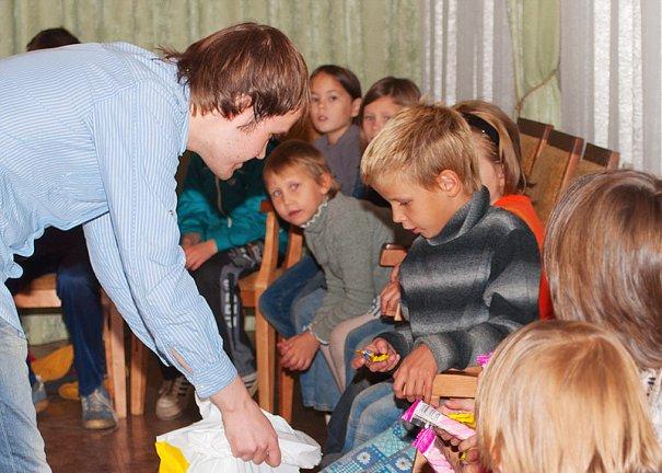 Дети оставшиеся без попечения родителей. - №6