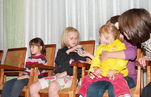 Дети оставшиеся без попечения родителей. - №11