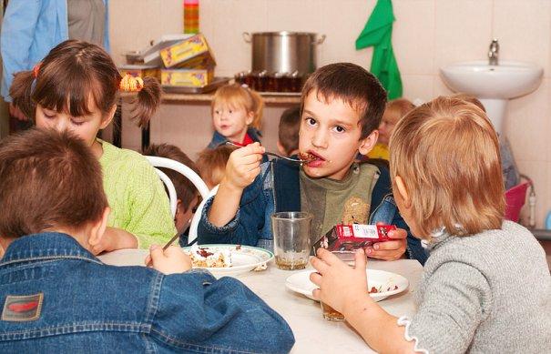 Дети оставшиеся без попечения родителей. - №52