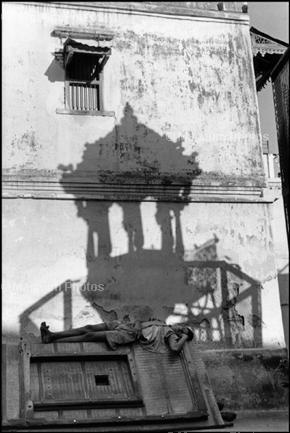 Индия. 1966. Здесь тень - как будто сон человека.