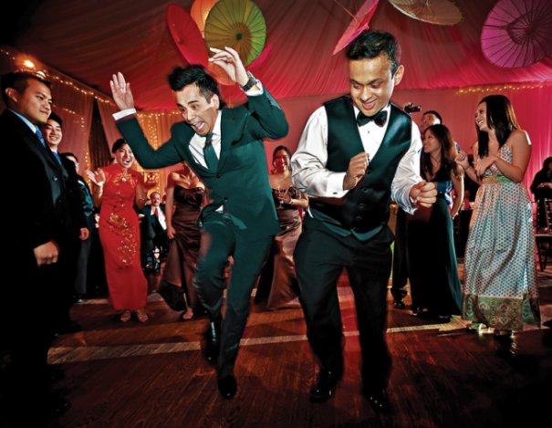 """""""Каждый раз на свадебном пире эти парни делают что-то сумасшедшее"""""""