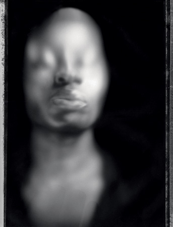 Это один из первых «коробочных» портретов. Многие из подобных фотографий сделаны совместно несколькими авторами.
