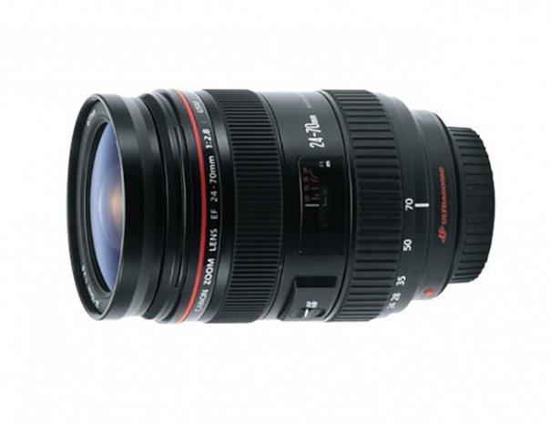 Canon EF 24-70mm F/2.8L USM (далее — 24-70L), стоит около 45.000 рублей.