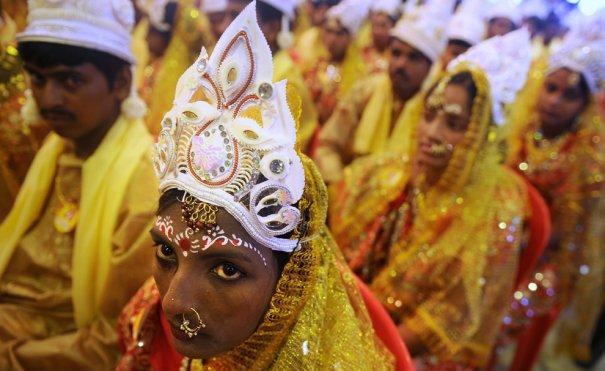 Dibyangshu Sarkar/AFP/Getty Images
