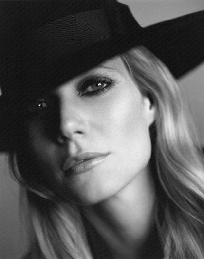 Gwyneth Paltrow - Mario Testino GQ Photoshoot 2008 04