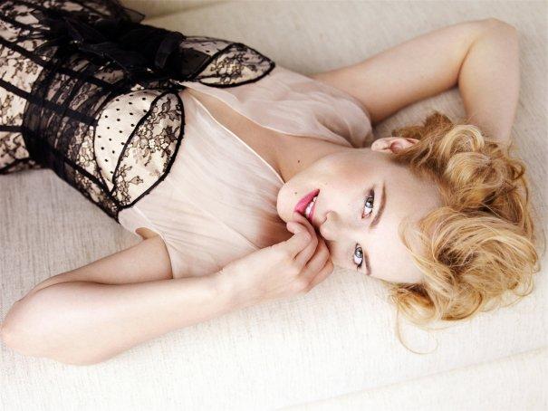 Rachel McAdams - Mario Testino Vogue US 2010 02