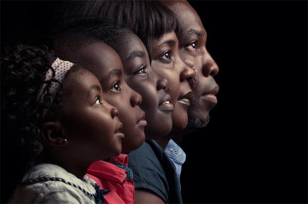 "Elreyfoto, ""A Family Portrait"""