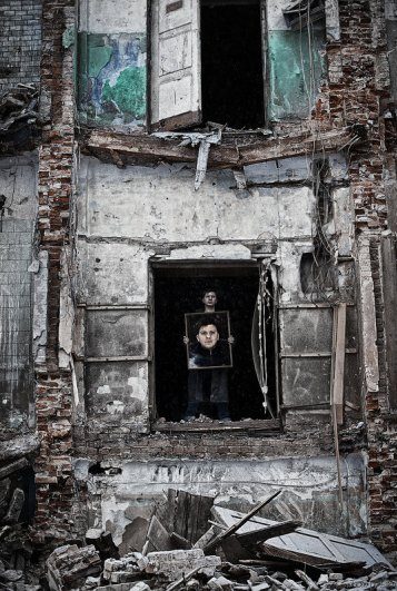 Ежъ Осипов - Портрет с портретом