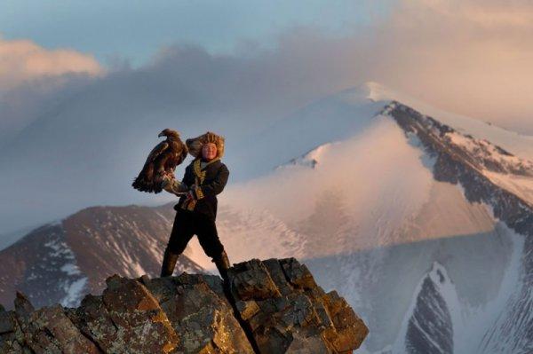 13-летняя охотница с орлом, Монголия - Эмоции людей