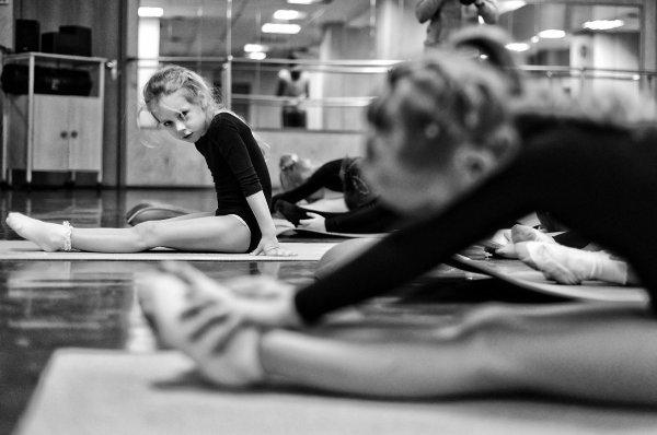 Ирина Данилова - Эти девочки, которые танцуют (http://fotokto.ru/id58860)
