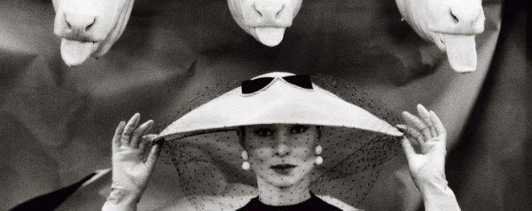 Ги Бурден. Французский Vogue, февраль 1955. © Estate of Guy Bourdin. Reproduced by permission of Art + Commerce