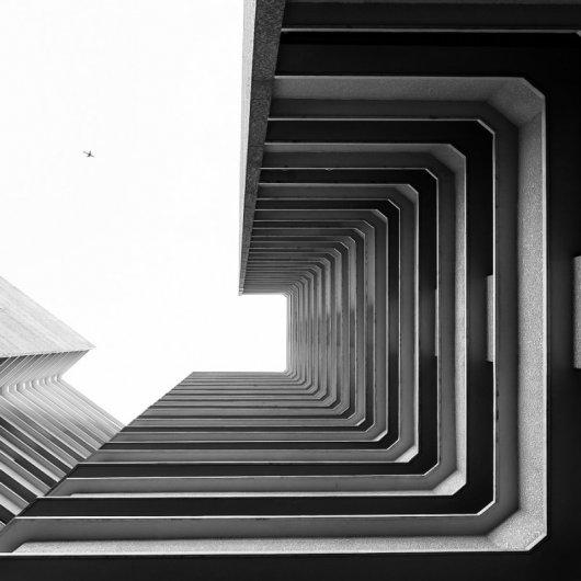 фото архитектурных сооружений в черно-белом