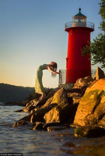 Katherien_Broug_Little_Red_Lighthouse_Dancers_Among_Us