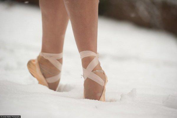 Maria_Sascha_Kahn_Dancers_Among_Us98