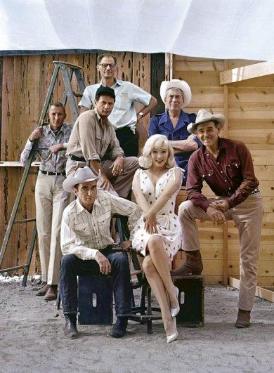 Эллиотт Эрвитт. На съемках Неприкаянных, Рино, Невада, 1960.