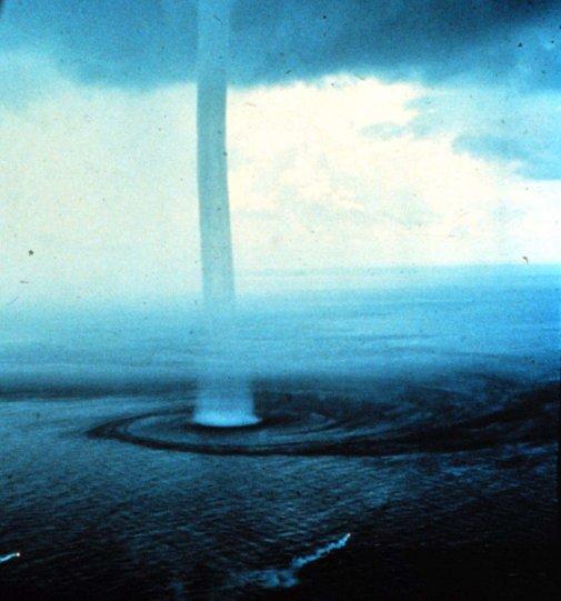 фото тайфуна и урагана 20
