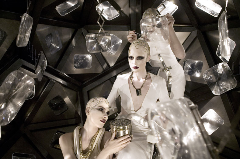 Самый необычный fashion-фотограф современности Eugenio Recuenco - №6