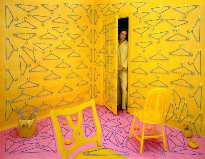 Баланс между фантазией и реальностью от фотографа Sandy Skoglund - №13