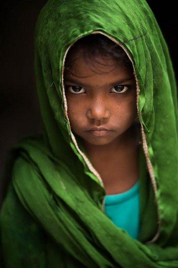 """Глаза людей и """"скрытая"""" улыбка в фотографиях французского фотографа Рехана - №3"""