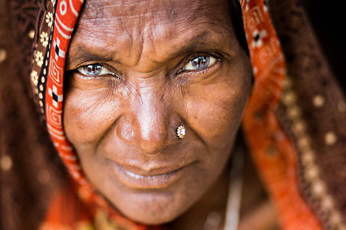 """Глаза людей и """"скрытая"""" улыбка в фотографиях французского фотографа Рехана - №6"""