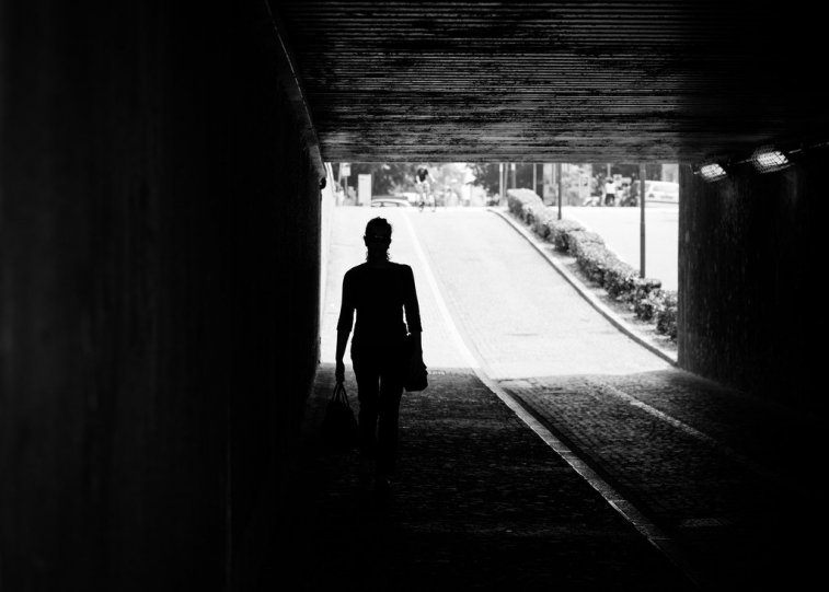Черно-белая магия уличных портретов Джулио Магнифико - №21