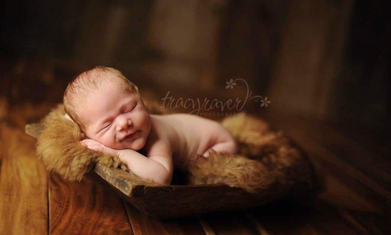 Спящие младенцы в фотографиях Трейси Рейвер - №5