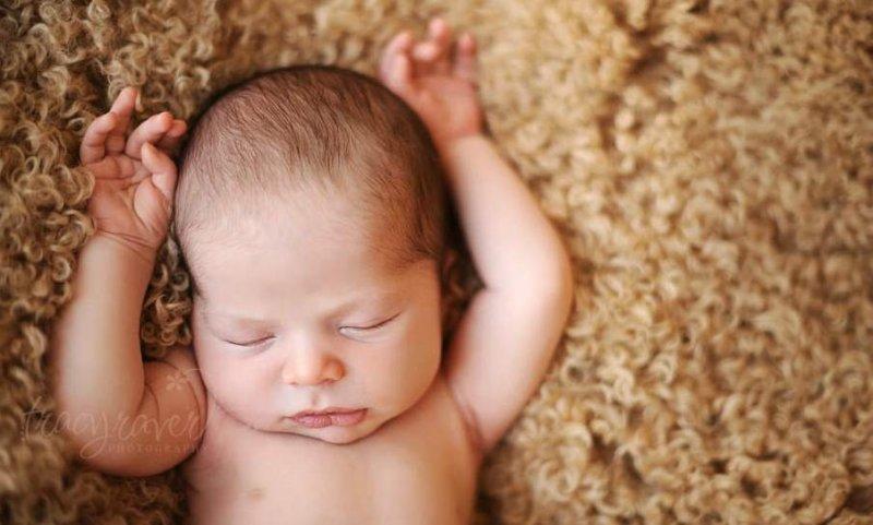 Спящие младенцы в фотографиях Трейси Рейвер - №9