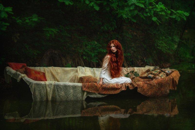 Lady in the Boat   Liliya Nazarova