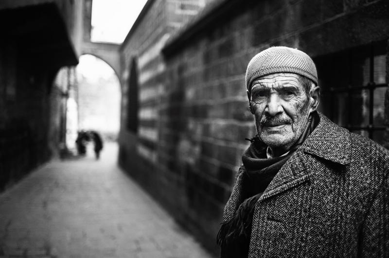 Стамбул в уличных фотографиях Мустафы Дедеоглу - №16