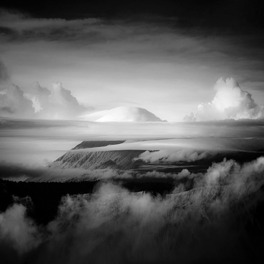 Потрясающие фотографии вулкана Бромо на острове Ява - №15