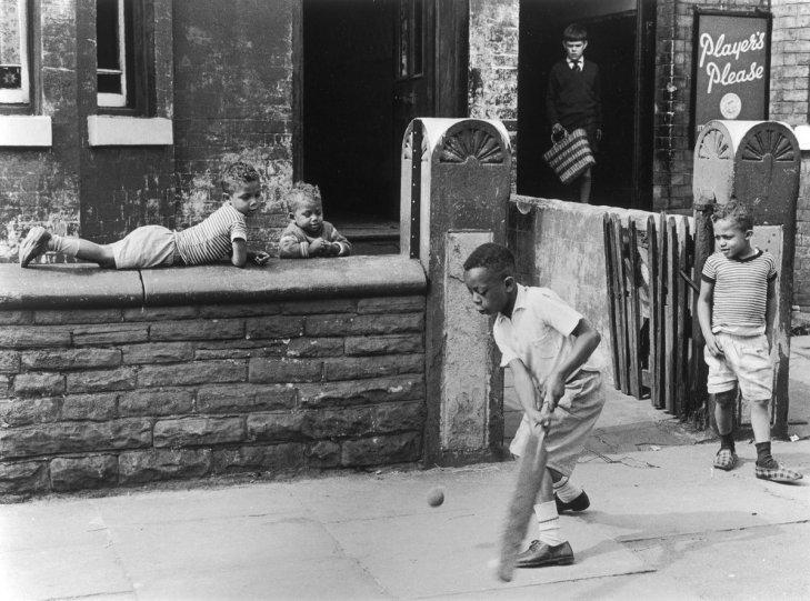 Фотографии Ширли Бейкер 1960-х годов - №4