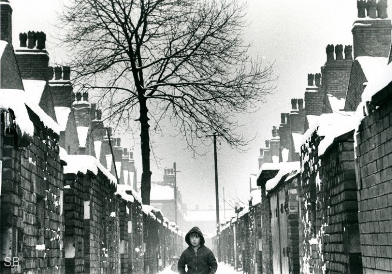 Фотографии Ширли Бейкер 1960-х годов - №20