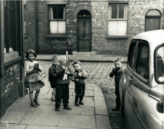 Фотографии Ширли Бейкер 1960-х годов - №24