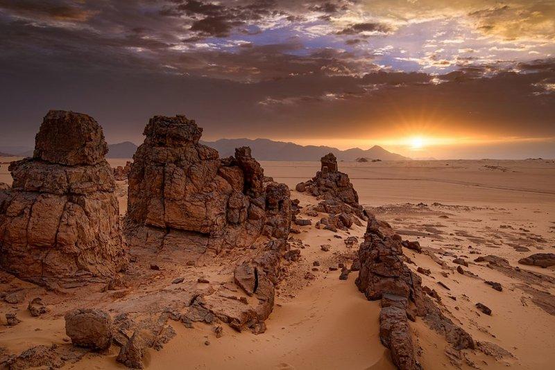 Тассилин-Адджер, Алжир, объект Всемирного наследия ЮНЕСКО. «Один из крупнейших памятников наскального искусства Сахары». Автор фото: Набиль Четту.