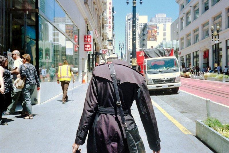 Городские причуды в снимках Троя Холдена - №8