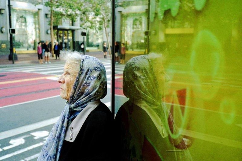 Городские причуды в снимках Троя Холдена - №12